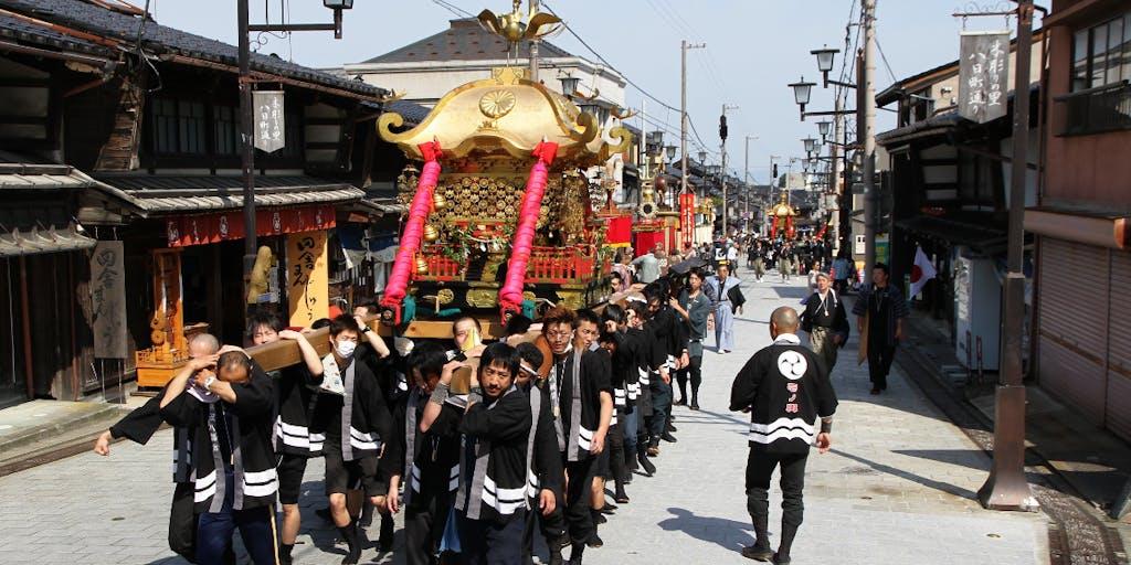 【男性限定】地域の春季大祭で井波地域を練り歩く神輿(みこし)の担ぎ手を募集!