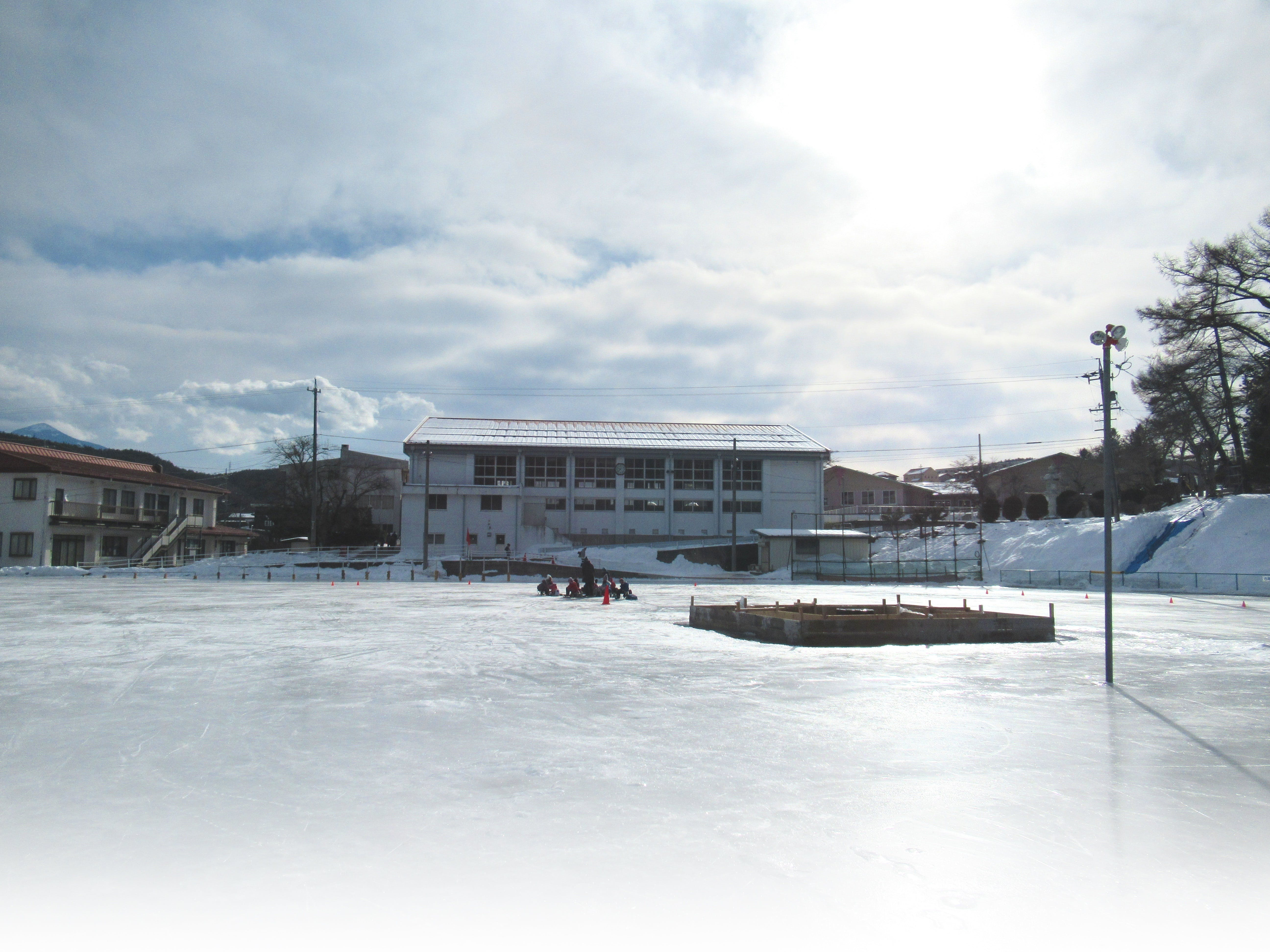 スケート選手を育んだ、小学校の校庭スケートリンクを体感!  【1月の9日間限定 19:00~21:00開催】