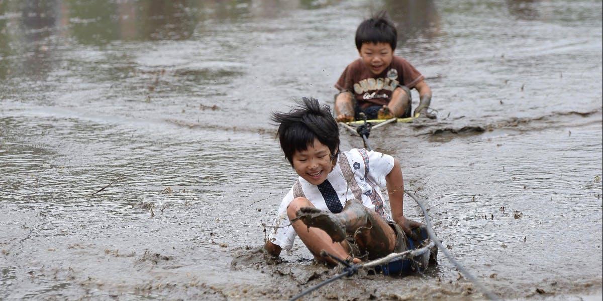泥んこ 遊び