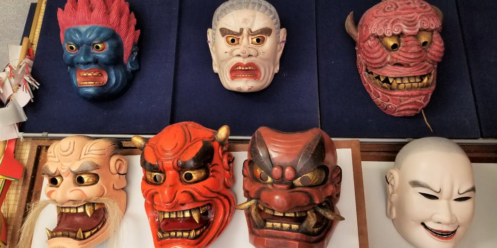日本三大秘境、椎葉村で、神楽の面作りを体験してみませんか?