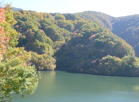 紅葉が美しいもみじ湖