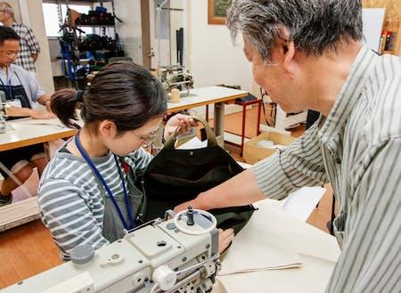 工業ミシンの仕組み、鞄の構造なども学べます!