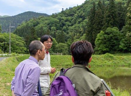 地域について説明するコーディネーターの藤田さん