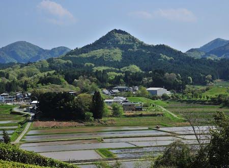 「都介野富士」とも呼ばれる都介野岳