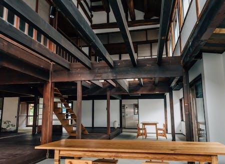 築130年、村の中心にある古民家を宿泊施設に。