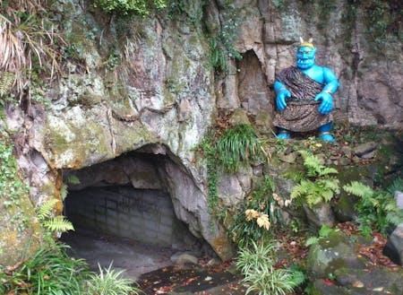 桃太郎伝説に出てくる鬼ヶ島の大洞窟