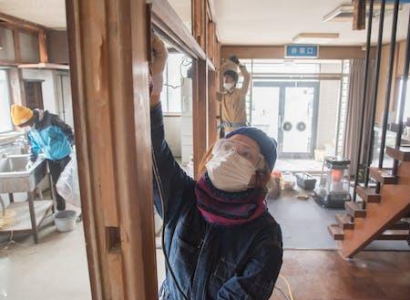DIYはこんな感じで作業をします!(大町市metone林屋DIY時)プロの指導を受けながら実践だ!!
