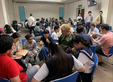 ブレスト授業!色んな大人と混ざって地域の課題解決を。
