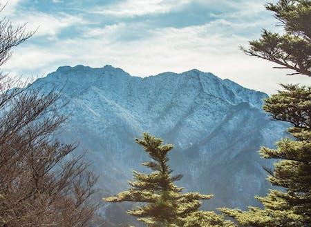 西日本最高峰の霊峰「石鎚山」