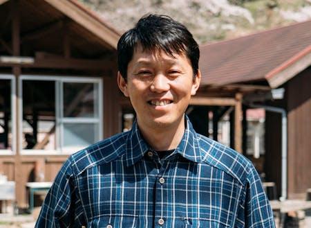 事業パートナーのNPO法人西条自然学校代表理事の山本貴仁さん