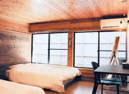 飫肥杉の古材をふんだんに使った木の良い香りがする日南拠点の個室