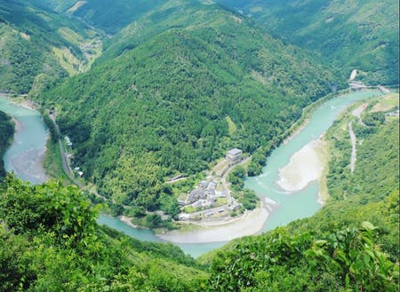 沢見展望所から見る球磨川