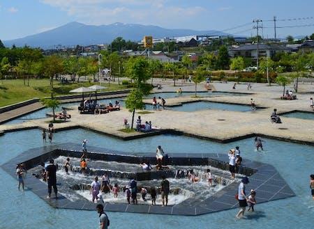 本宮市中心部のみずいろ公園