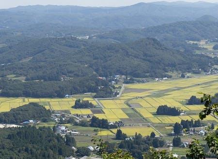 飯舘村の花塚山からみた村の全景