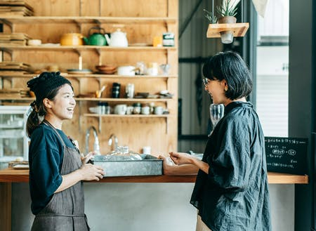 カフェやパティシエとして開業する女性が増えています
