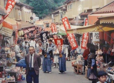 過去賑わいが盛んだった頃の釜石大観音仲見世商店街