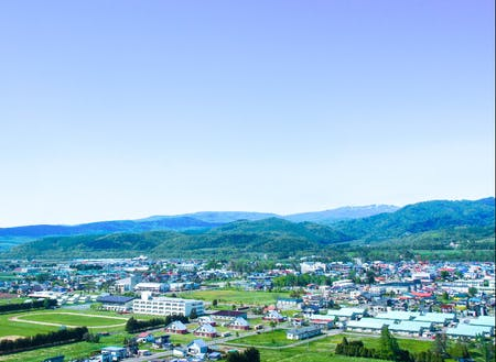 下川町は、面積の90%が森に囲まれたコンパクトシティ