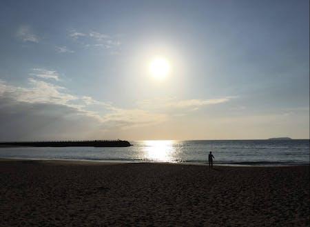 「南熱海」と言われるエリアの海岸。朝日も夕日もとても綺麗です