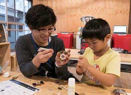 小中学生向けのものづくり教室(放課後発明クラブ)を開催!