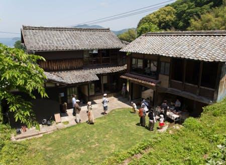 城谷耕生さんがオープンした小浜町の「刈水庵」。地域のデザイン拠点になっています