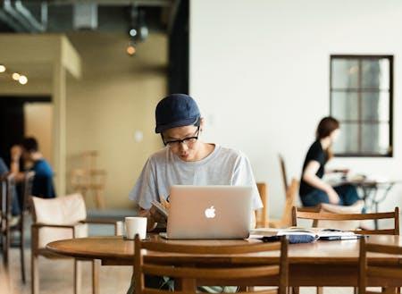 Wi-Fiや複合機等働く環境が整ったシェアオフィスがあります。