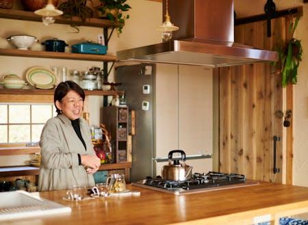 Organic Cafe M2のオーナー山下由香さん。彼女自身8年前に小麦アレルギーとなり、身をもって小麦アレルギーに悩む人の多さや深刻さを実感しました。