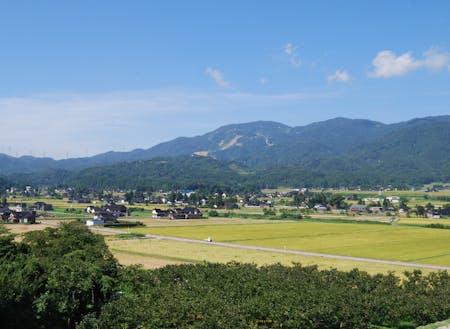 福光地域の散居村の景色