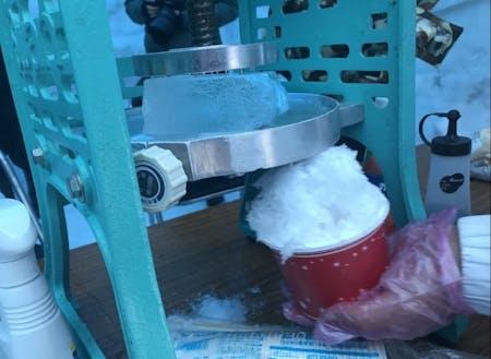 本格かき氷がおかわり自由、シロップかけ放題で食べれます!