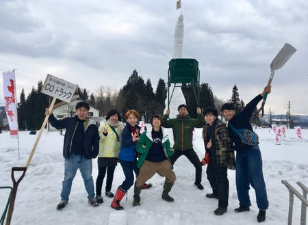 村・留学後に参加した雪積みまつりで準優勝した時の写真