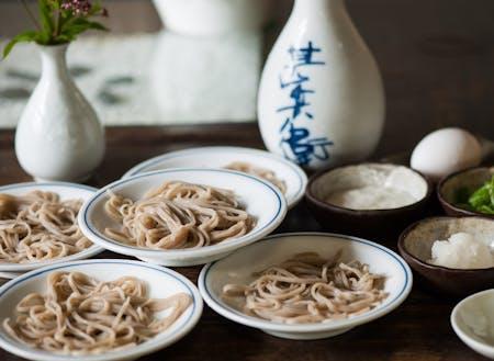 美しい出石焼で食べる皿そばは絶品です!