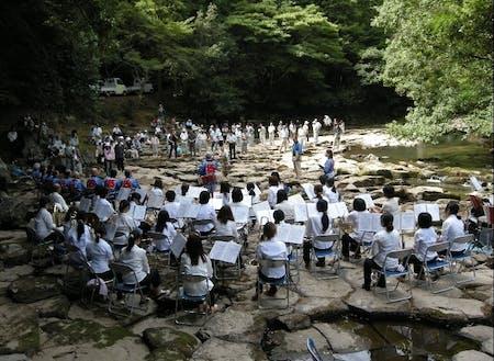 第1回目「畳ヶ淵」での龍のツアー 山口県立大学吹奏楽団の皆さん