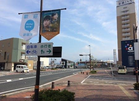 JR新居浜駅前