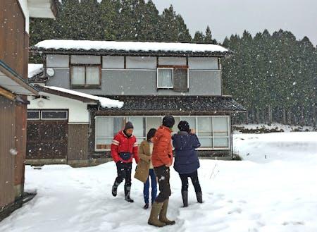 時にはこんな雪の中でも。