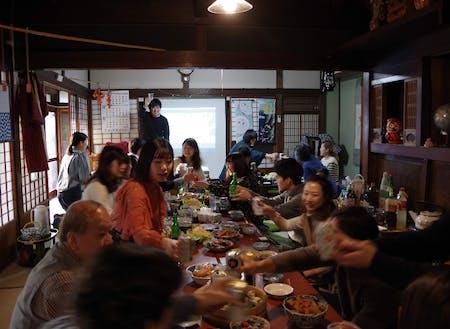 毎年3回ほど開催する「高田暮らしカフェ@東京」。''高田で暮らす事だけが高田暮らしではない!''をテーマに、陸前高田に関わりのある人たちが集って交流をしました。