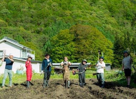お隣の味噌作り名人の母ちゃんが持て余す休耕地を再生中!大豆植えて味噌作る♪土へのアクセスは暮らしの中の日常です。
