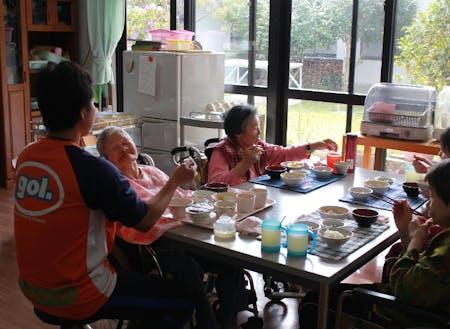 高齢化した地域をささえるやりがいのある仕事です