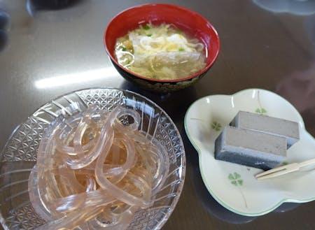 寒天の試食料理:生天、ごま天寄せ、寒天スープ(一例)