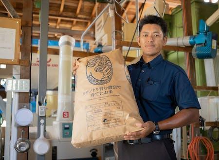 神鍋高原スキー場の真下の田んぼで青山さんが心を込めて栽培したコウノトリ米