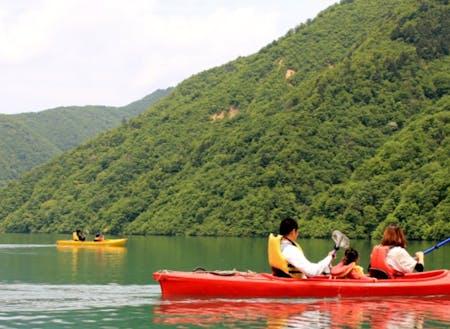 カヌーで遊べる湖畔にあるキャンプ場。ここも譲渡対象!