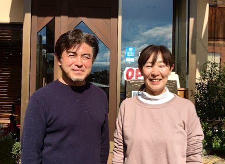 オーナーの稲田さんご夫妻!元アウトドアガイドです。