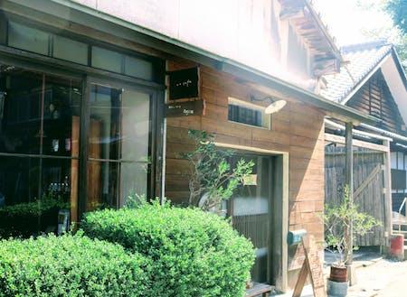 先日「ao cafe」は11周年を迎えました。 自給自足や移動販売など次々と新しい取り組みに挑戦されています。 八女にお越しの際はぜひのぞいてみてください。 https://coin.machino.co/regions/yame/shops/501551925536