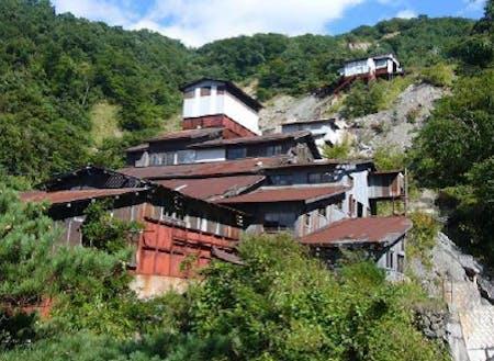 クローム鉱山遺構