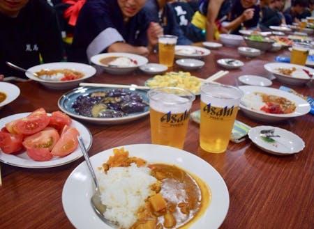 食事を囲み、語るうち、大川平があなたの第二のふるさとに。