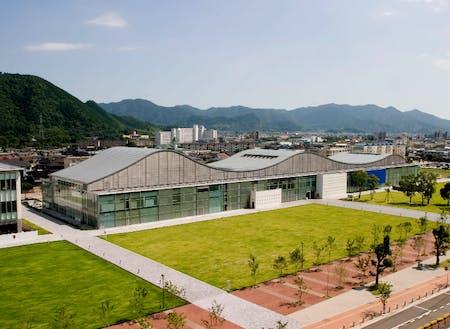山口情報芸術センター(YCAM)の外観