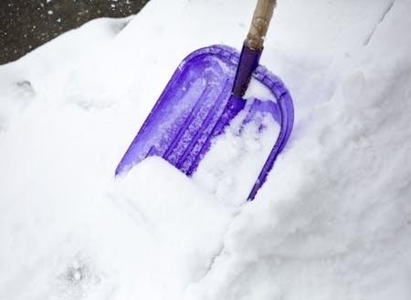 下川の雪はパウダースノーだから軽くてたいした苦じゃないから、雪はねにはまってしまう人も。
