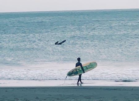 朝一サーフィンしてから仕事に行くのが湘南スタイル