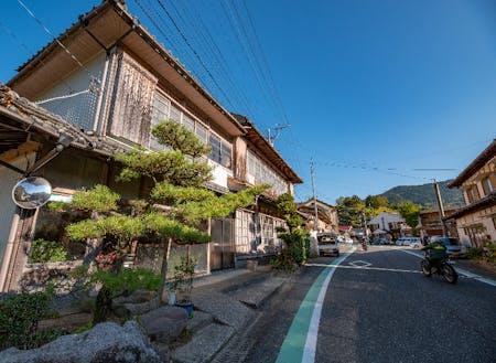 七山新聞社(仮称)は趣のある旧街道沿いを予定しています。