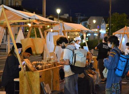演劇祭期間に開催したナイトマーケット(トップ画ともに撮影:日高神鍋観光協会)