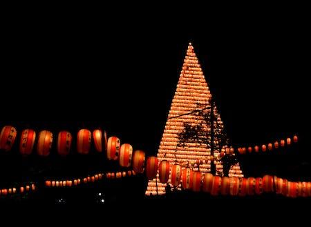 約500年続く伝統行事「江迎千灯籠まつり」