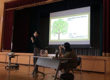 弥富地区で開催した活動報告会の様子